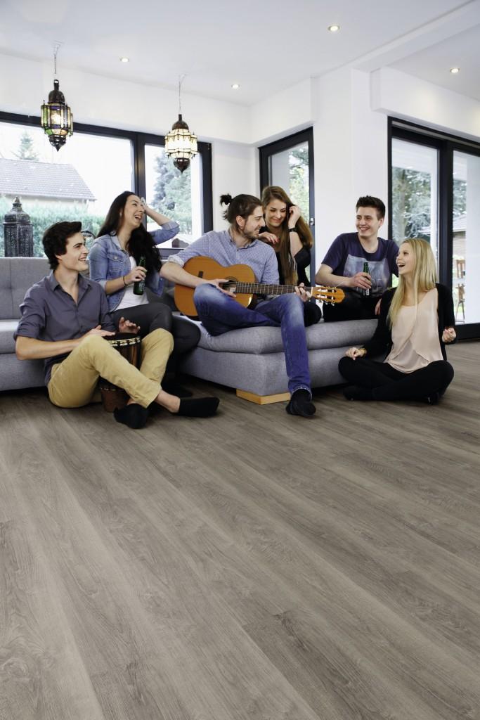 5-mm-es-klikkes-vynil-design-padlok-wineo-600-wood/