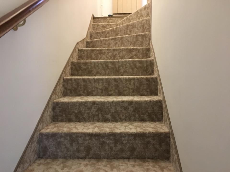 Lépcsőszőnyegezés